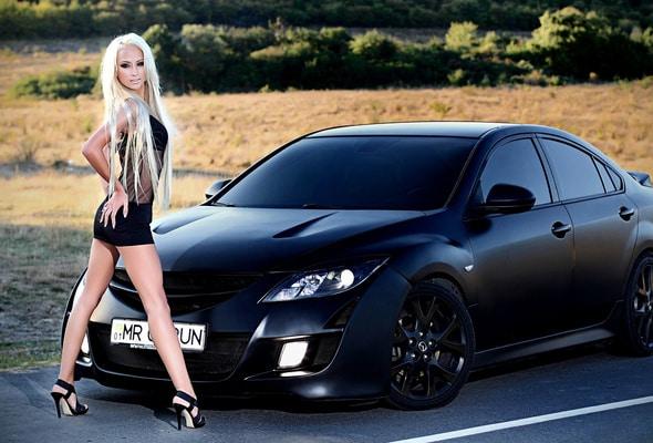 Черная Mazda 6 и сексуальная девушка