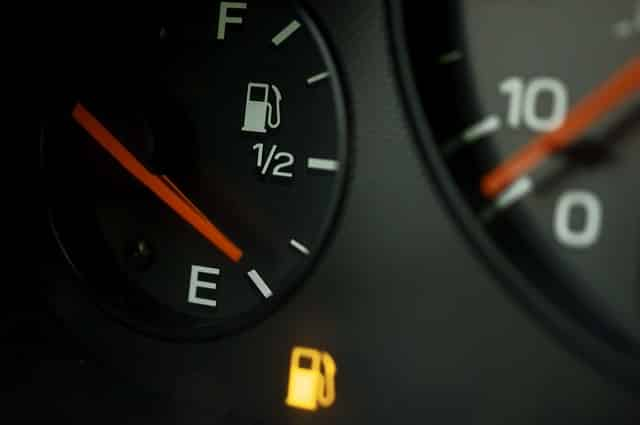 Индикатор уровня топлива