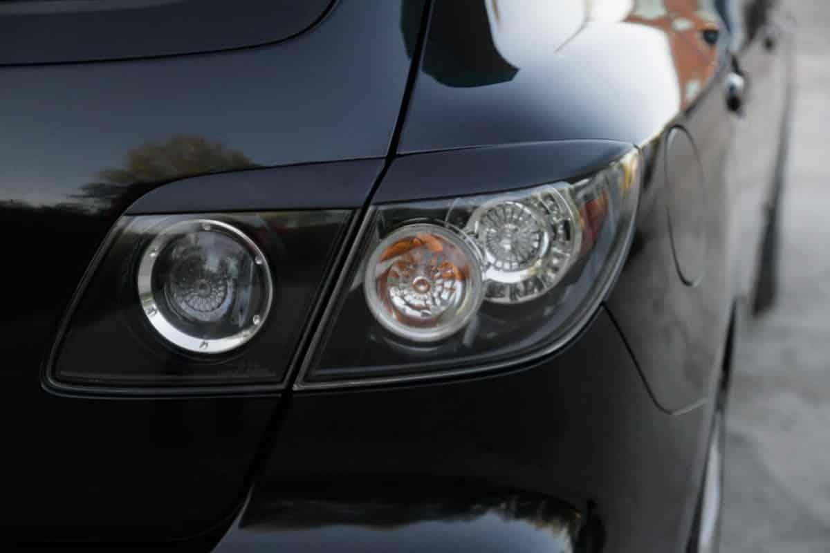 Реснички на фаре Mazda 6 2009 года