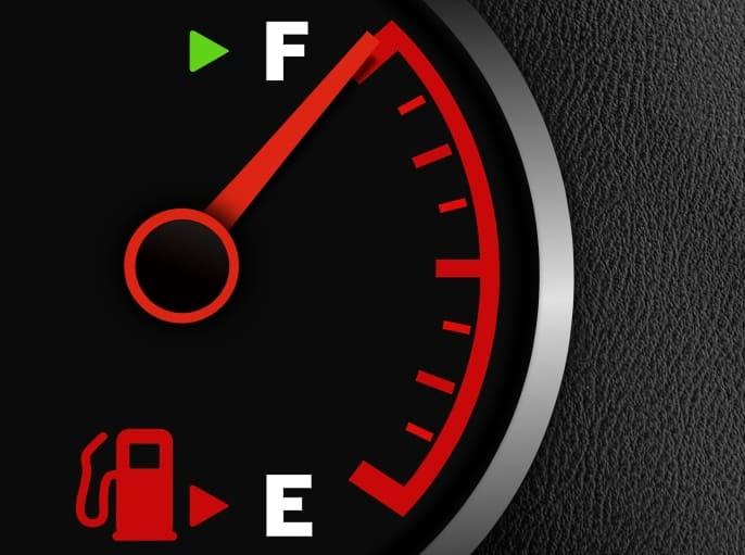Уровень топлива - полный бак