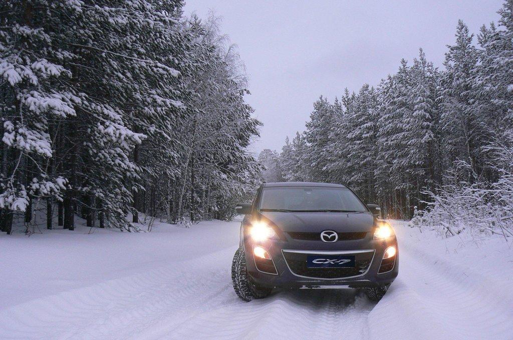 Мазда CX-7 в снегу