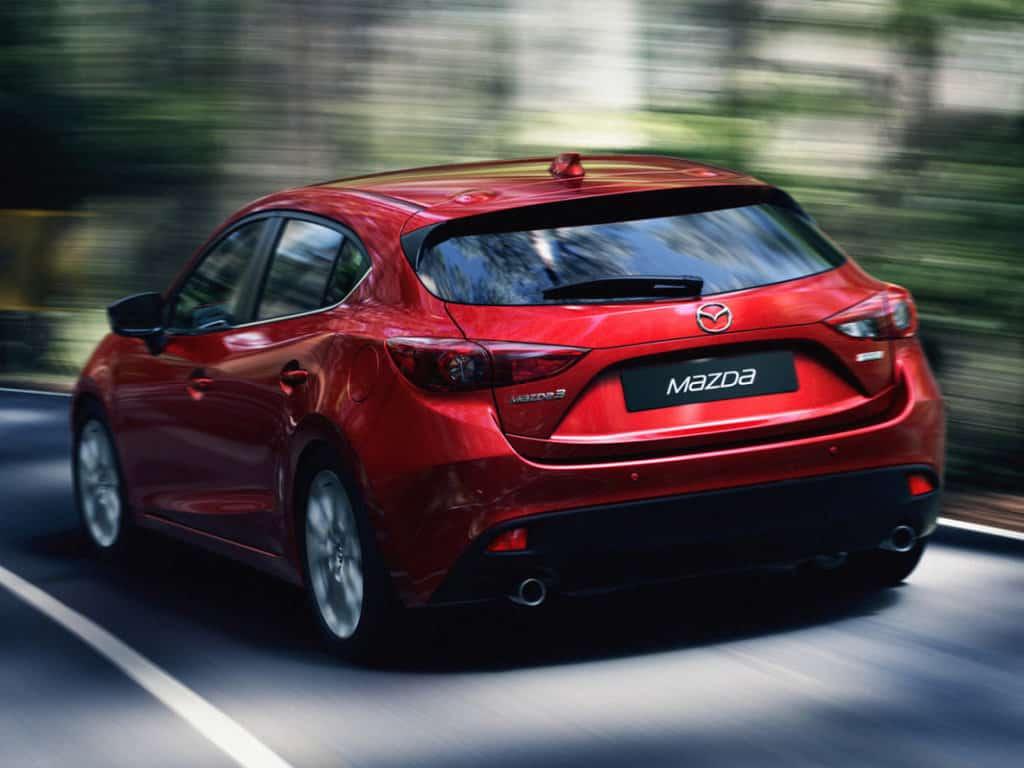Mazda 3 в движении