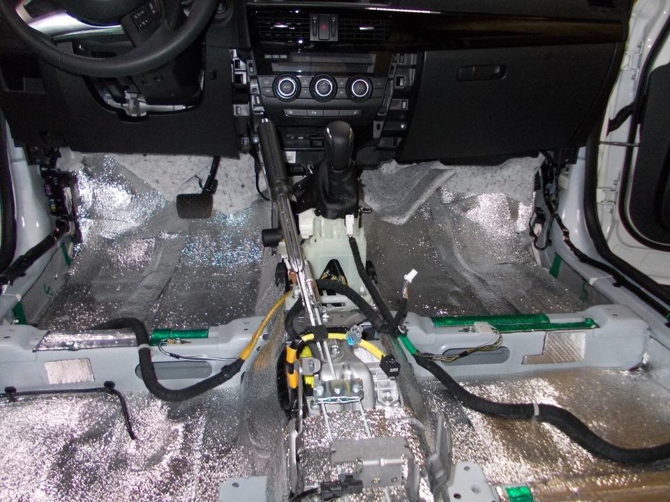 Два слоя шумоизоляции на Mazda CX-5
