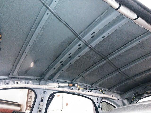 Снятая обшивка крыши Mazda CX-5