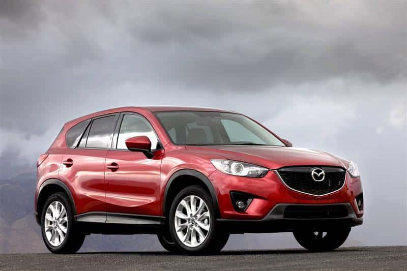Красная Mazda CX-5