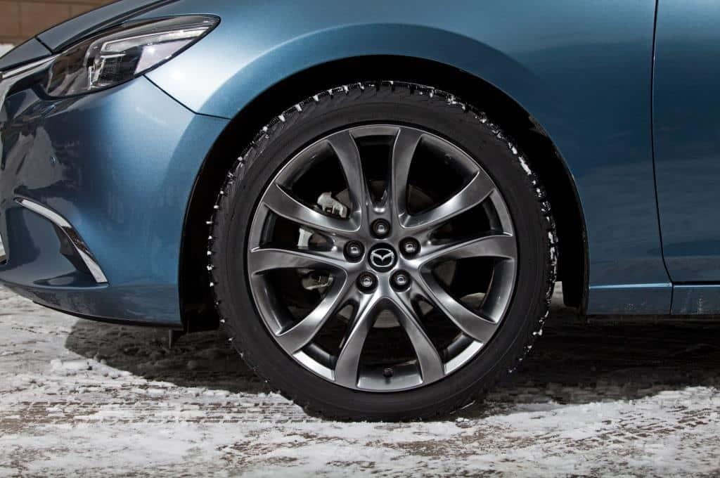 Колесо крупным планом Mazda 3