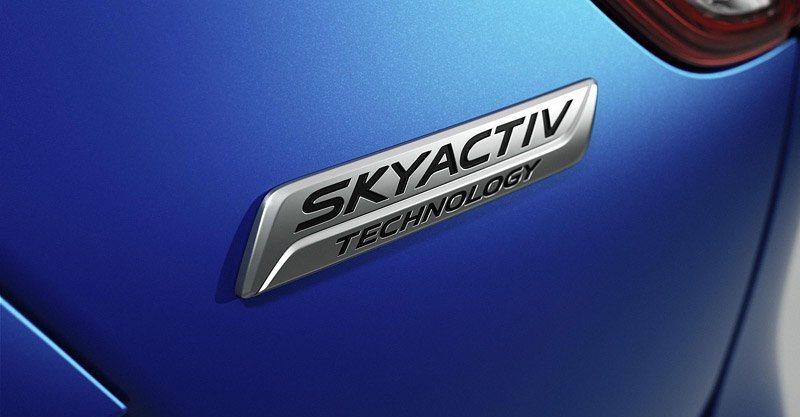 Значек технологии Skyactiv от Mazda