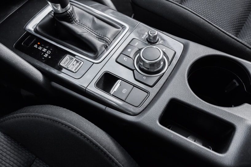 Кнопка стояночного тормоза Mazda CX-5 2015