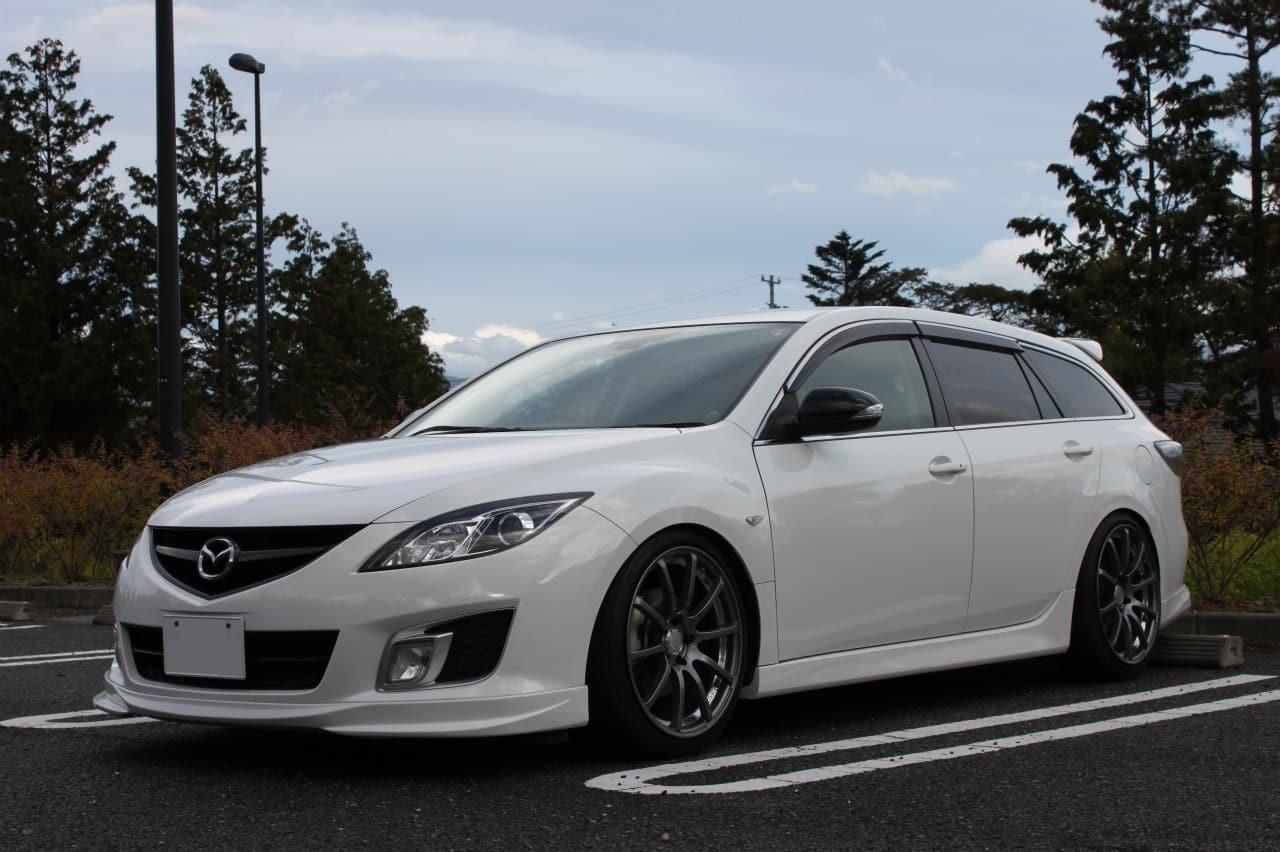 Тюнингованная Mazda 6 GH