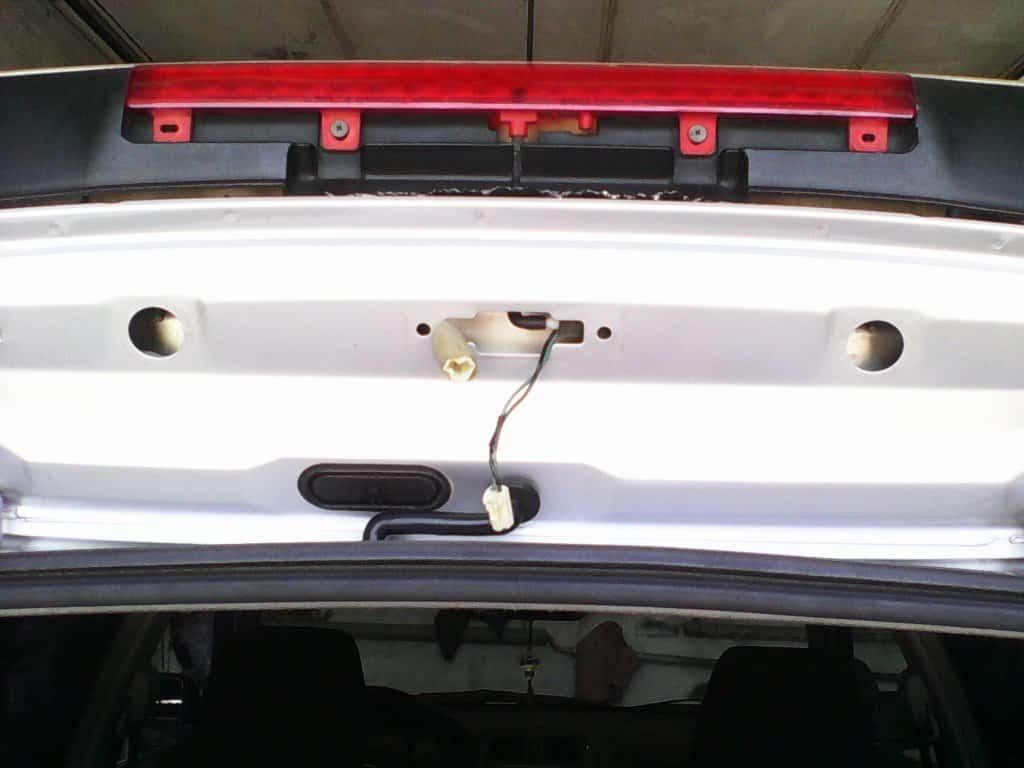 Снятие дополнительного стоп-сигнала Mazda CX-5