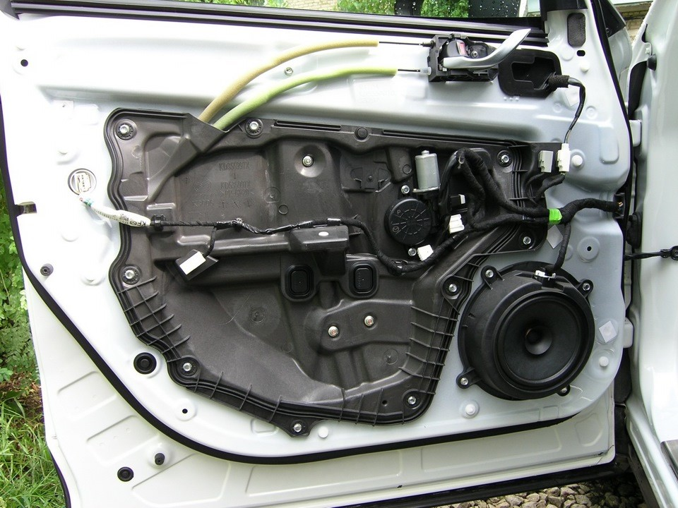 Разобранная дверь Мазда CX-5