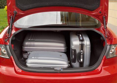 объем багажника Мазда 6