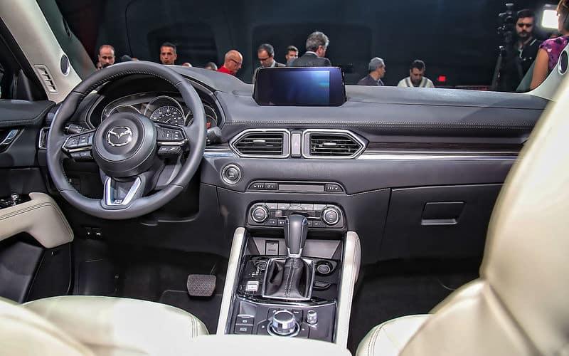 Mazda салон