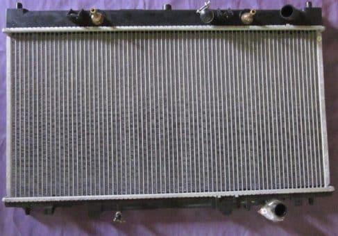 радиатор Мазда