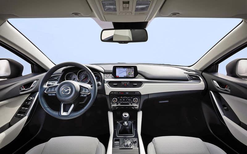 Интерьер Mazda 6 2017