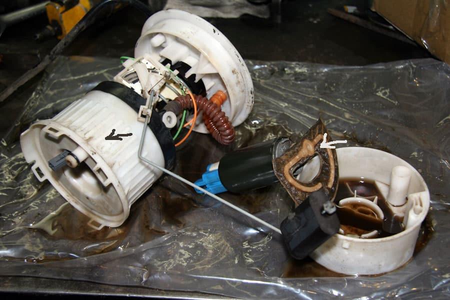 Замена топливного фильтра Мазда 3
