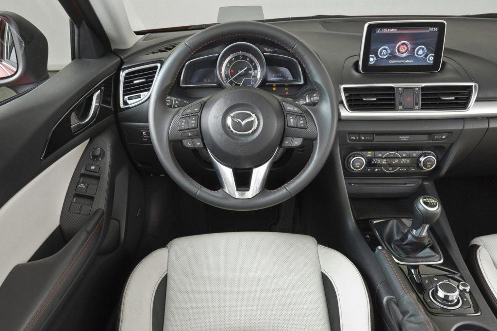 Mazda 3 – комплектации