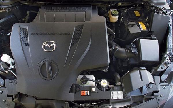 Автомобиль Mazda CX-7 2017