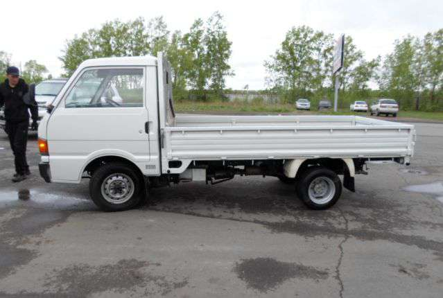 Мазда Бонго грузовичок