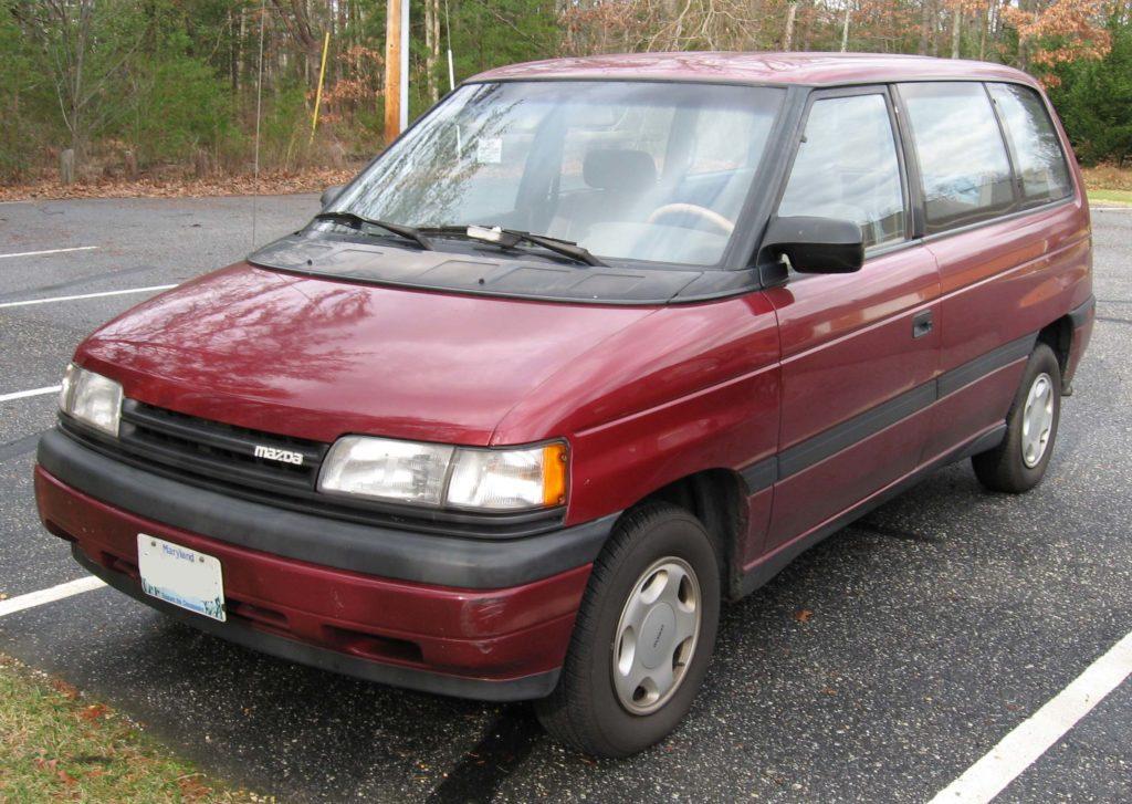 Первое поколение автомобилей Мазда МПВ